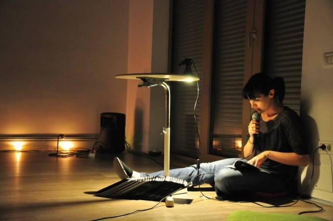 Andra Rotaru reading from Lemur before Bucharest performance